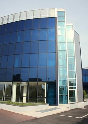 Whiterex allestimento negozi allestimento vetrate esterne decorazione finestre grafica - Decori per finestre esterne ...